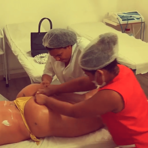 doce massagem mulheres para convivio