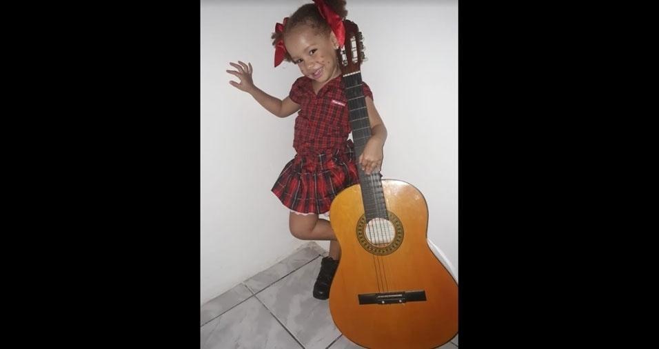 Clara Freitas, em foto enviada por Girlan da Silva Santos, de Salvador (BA)