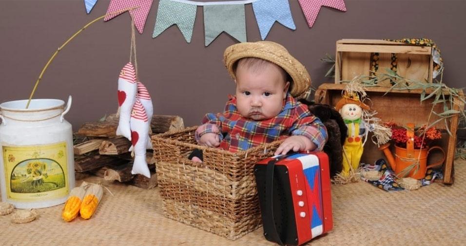 Direto de Jundiaí (SP), Donizeti e Fernanda Rodrigues compartilharam foto do pequeno João Lucca, de apenas quatro meses