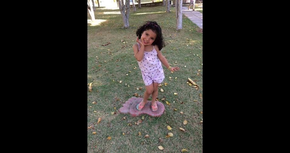 """Erika e Valter José enviaram foto da filha Helena, de três anos, de São Paulo (SP): """"Filha, Deus foi muito generoso me dando você de presente! Te amo"""""""
