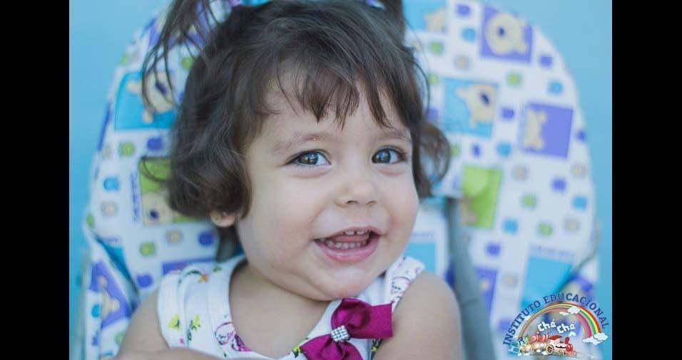 Paula Thamires, de Conselheiro Lafaiate (MG), enviou foto da filha Laysa, de dois anos