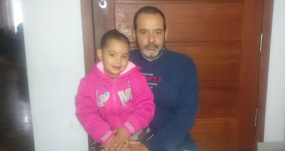 O pai Edson com a filha Fernanda, de São Paulo (SP)