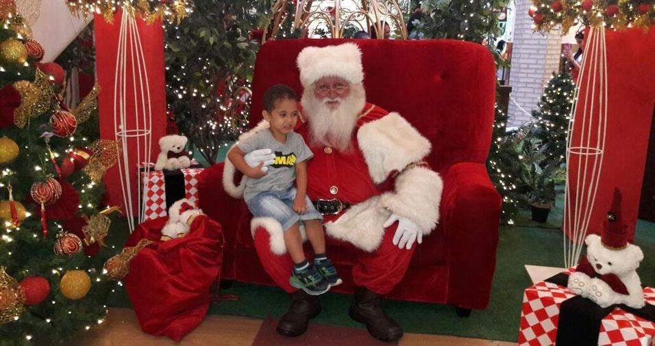 """Carlos de Oliveira, do Rio de Janeiro (RJ): """"Este é meu filho Arthur Pimentel Oliveira no shopping"""""""