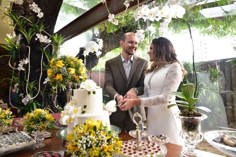 João Gabriel Bessa e Danusa Carvalho Garcez Oliveira casaram-se no dia 29 de março de 2018, em Teresina (PI)