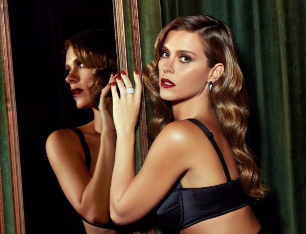 Carolina Dieckmann posa de lingerie para a revista GQ - Paulo Vainer/GQ