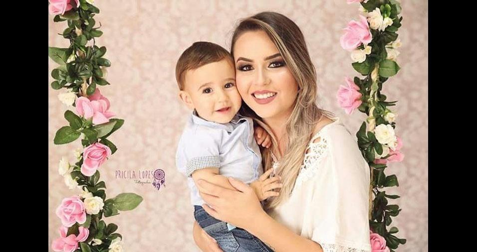 Naiara Aparecida Fortunati com Davi Lorenzo, de Palmas (PR)