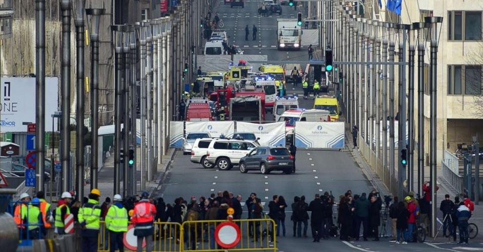 7. Bruxelas, Bélgica. Três homens-bomba causaram a morte de 35 pessoas no aeroporto e no metrô da capital belga, na manhã de 22 de março. Cerca de 300 pessoas ficaram feridas. Os atentados foram reivindicados pelo grupo terrorista Estado Islâmico