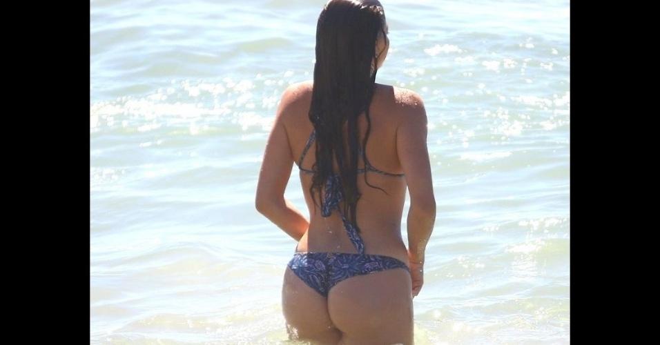 6.fev.2017 - A atriz Luma Costa mostrou que está com o corpo em forma durante gravações no Rio de Janeiro