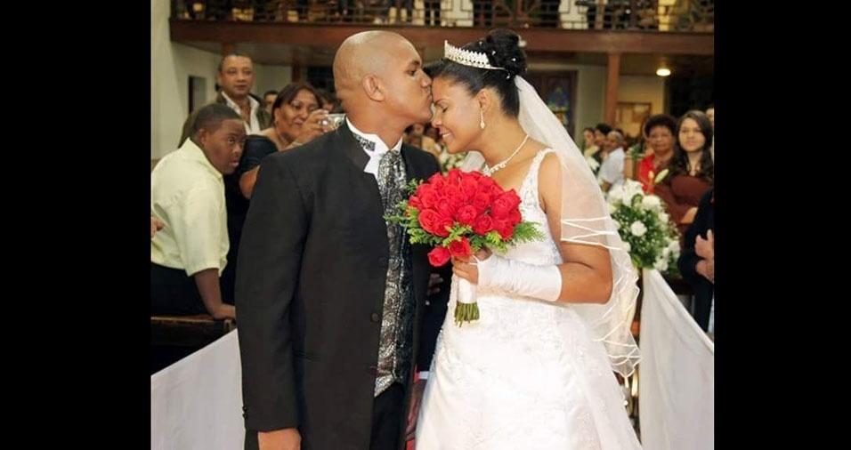 Willians Ferreira dos Santos e Charlene da Paixão Ferreira se casaram na Igreja de Itaquera, em 8 de maio de 2010