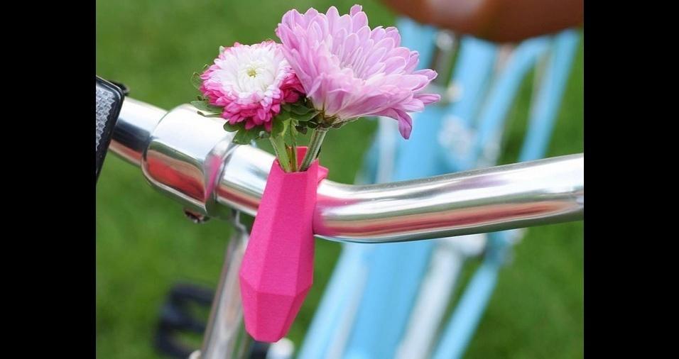 25. Os minivasinhos, feitos em impressoras 3D, são fixados na bike com um sistema de clipe e são ideais para quem curte um estilo romântico
