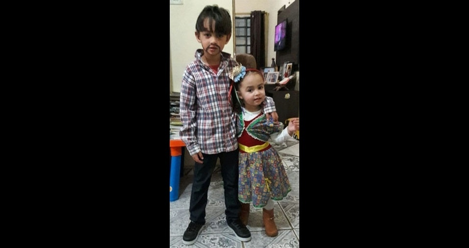 Lucas e Maria Eduarda, de São Roque (SP), em foto enviada pela mãe Ana Muniz