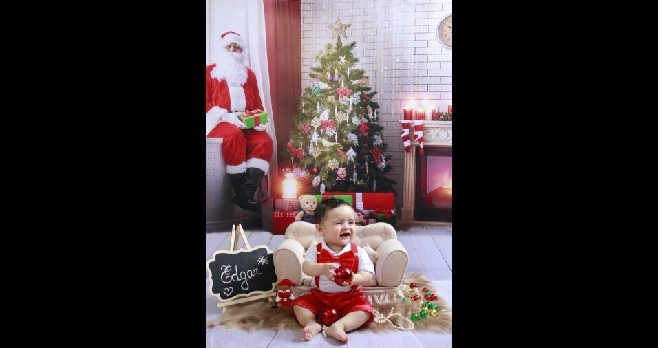 A mamãe Danielle Ruth do Nascimento Oliveira, de São Paulo (SP), enviou foto do pequeno Edgar, oito meses, comemorando seu primeiro Natal
