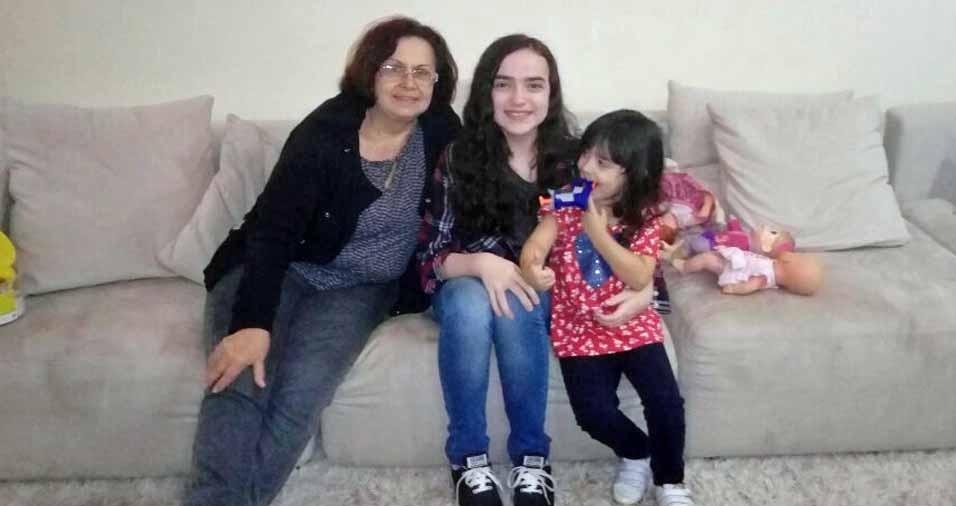 Luciana Martino enviou foto da vovó Helinice Martino e as netas Vitória e Débora, do Rio de Janeiro (RJ)