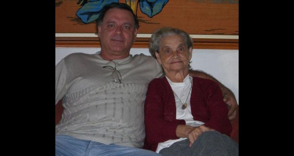 """Carlos Garcia e sua mãe Jandira, de Iracemápolis (SP): """"Amor eterno"""""""