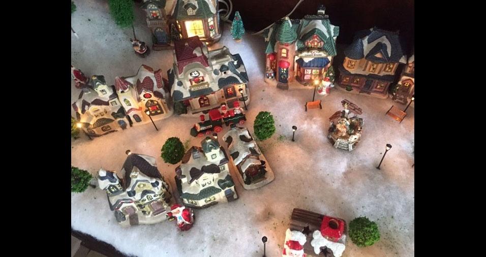 Raquel Fioresi e sua vila do Papai Noel