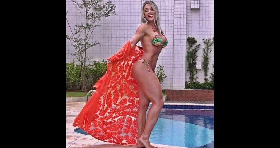 15.dez.2016 - A modelo Juju Salimeni possui uma legião de fãs nas redes sociais. Só no Instagram, são mais de 10 milhões de seguidores. A fama virtual também enche seu bolso, já que a gata ganha aproximadamente R$ 20 mil por dia com posts publicitários. Juju fez a afirmação ao Ego