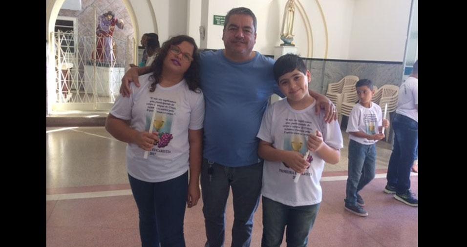 Mauro com os filhos Felipe e Priscila
