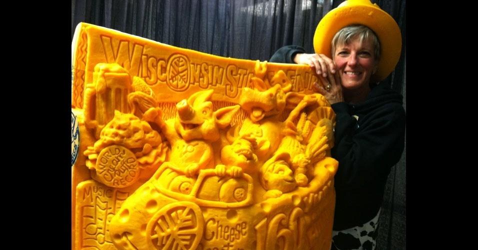 56. Sarah Kaufmann está no livro dos recordes pela maior escultura em queijo do mundo. A obra, de 419,5 kg, foi esculpida em uma peça de cheddar durante 36 horas.