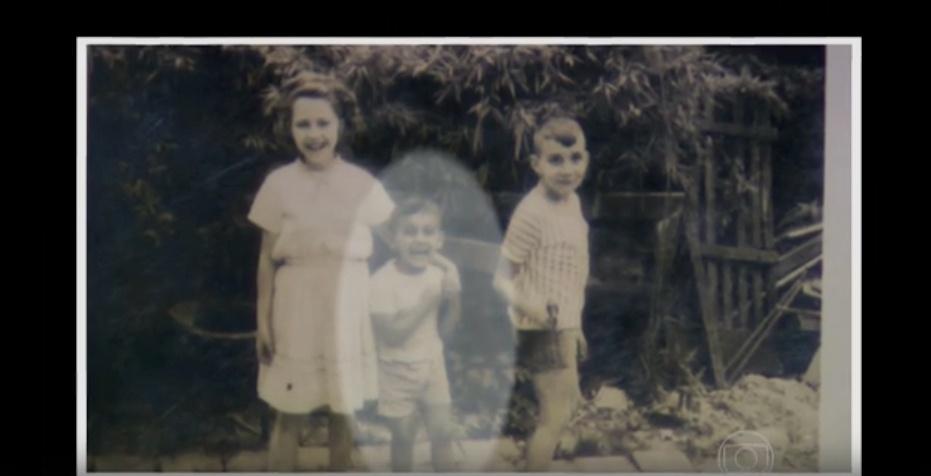 """Imagem mostra Domingos Montagner, ao centro, durante a infância. A foto foi divulgada por familiares do ator durante o """"Domingão do Faustão"""""""