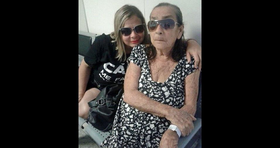 Dorinete Magalhães Garcia com sua mãe mãe querida, dona Martinha Quaresma Magalhães, de Belém (PA)