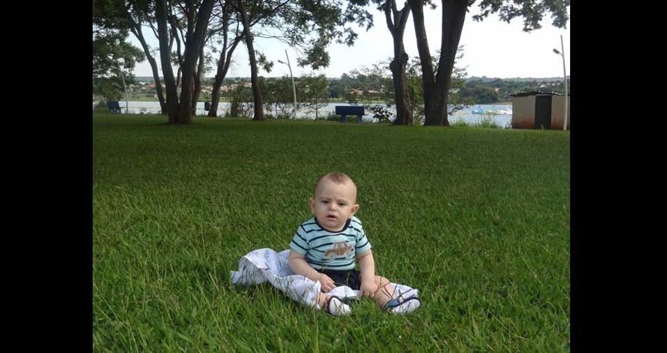 Fernanda e Cledson enviaram foto do Lucas, de Brasília (DF)