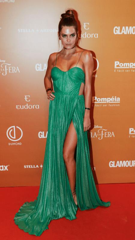 A modelo Mariana Goldfarb foi ao baile com um vestido igual ao de Marina Ruy Barbosa - Manuela Scarpa e Cláudio Augusto/Brazil News