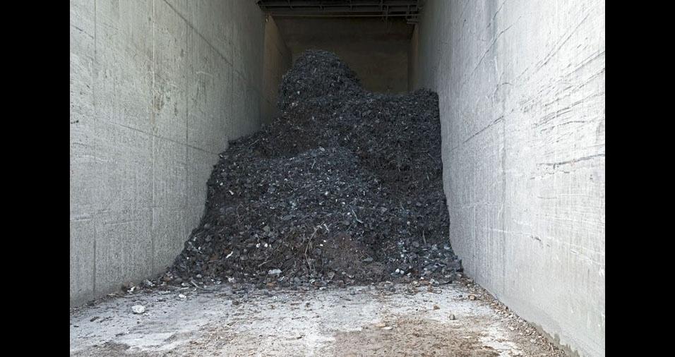 2. Para a realização do trabalho, Bulteel fotografou 50 empresas das áreas de coleta, triagem, reciclagem e reutilização de resíduos