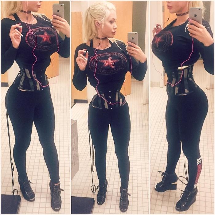 17.fev.2017 - Para ficar com a cintura fininha, a modelo retirou seis costelas, em uma cirurgia que levou cinco horas