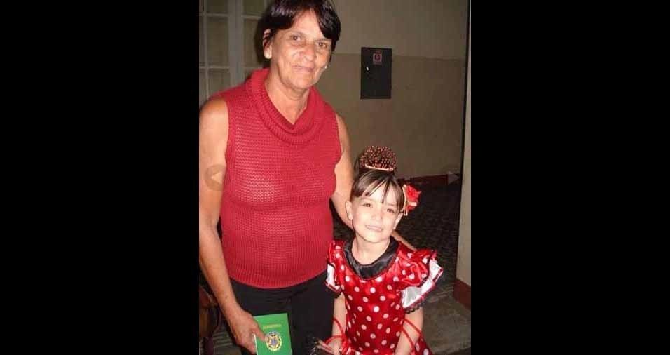 Vovó Maria com a netinha Izabela, de Belo Horizonte (MG)