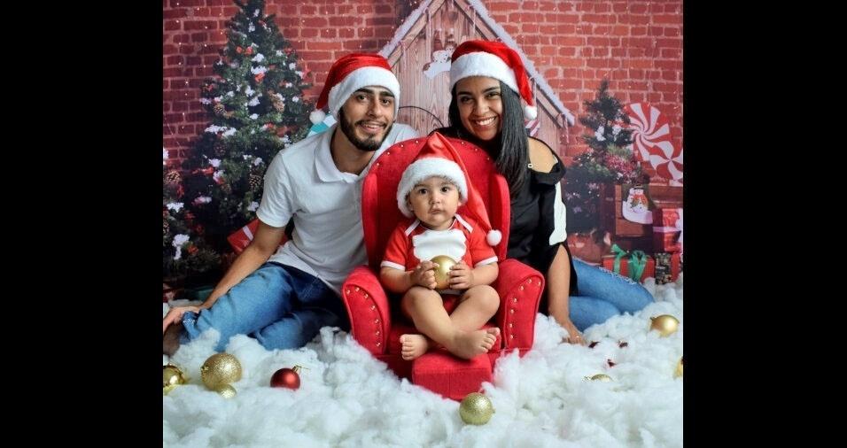 Joyce Alcino de Souza Soares, de São Bernardo do Campo, mostoru a família em clima natalino