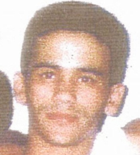 """Ligado ao Comando Vermelho, Lulu da Rocinha foi o chefão do tráfico na favela da Rocinha, no Rio de Janeiro, de 1999 a 2004. De perfil assistencialista, Lulu encarnava o papel do """"bom bandido"""", que ajudava os moradores e era querido na comunidade. Morto pelo Bope (Batalhão de Operações Especiais) em 2004, Lulu foi enterrado no cemitério São João Batista, no Rio de Janeiro"""