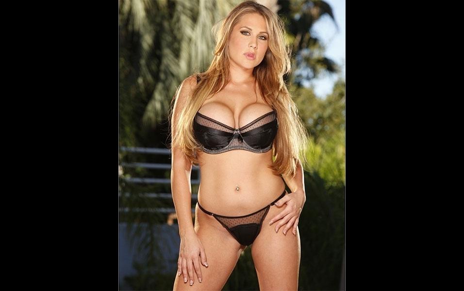 Alanah Rae trabalhava em uma boate antes de começar a atuar como atriz pornô, em 2008