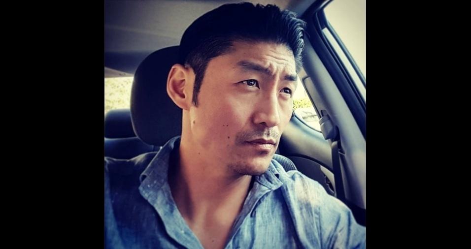 """47. Brian Tee. Nascido no Japão e naturalizado norte-americano, ele, que fala fluentemente inglês, japonês e coreano, interpreta o sério doutor Ethan Choi na série """"Chicago Med"""", mas mostra uma versão cheia de humor e fofura nas redes sociais"""
