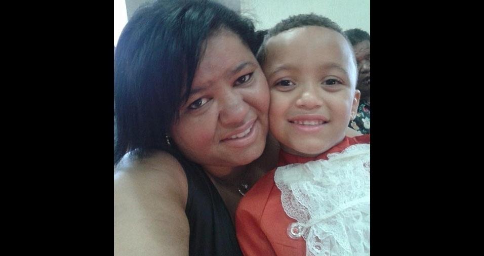 Kelly e seu filho Victor, de Itaquaquecetuba (SP)