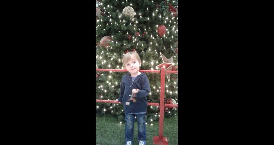 Maurício enviou a foto do filho Enzo curtindo o natal, de São Paulo (SP)