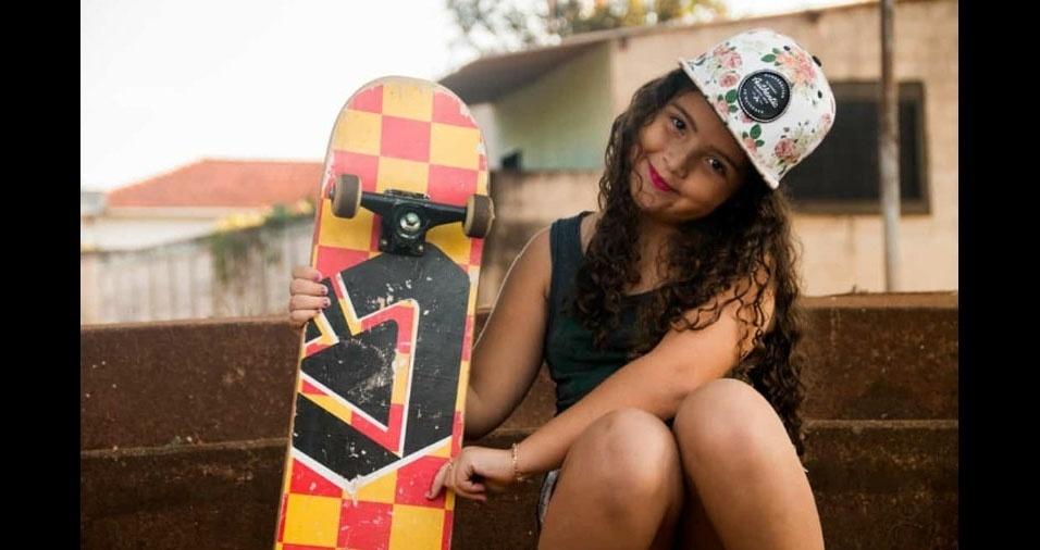 Já a foto da Valentina veio de skate, a mando dos papais Daiany e Vinicius