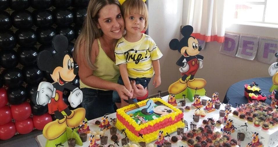 Bruna Aragão com o filho Miguel, de Presidente Epitacio (SP)