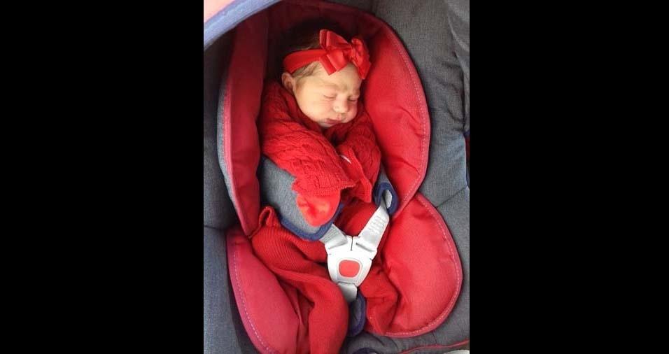 Oraína e Gilberto enviaram foto da filha Amanda, de Araguari (MG)