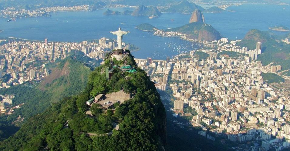 Brasil: os dados de 2014 ainda não foram informados. Em 2013, o país recebeu 5,8 milhões de visitantes, o que o deixaria mais ou menos da 41ª posição deste ano. Também não foram computados os dados da Dinamarca, Irlanda, Nova Zelândia, Senegal, Quênia, Algéria, Albânia e Andorra