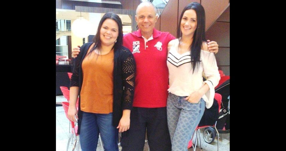 Aline e Alana com o pai Paulo Marquardt, de São José dos Campos (SP)