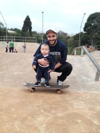 Carlos Augusto Marques com o filho Oliver Akira Marques, de Ibirubá (RS)