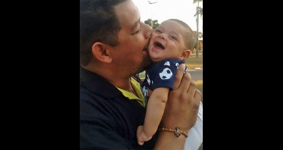 Maria Beatriz Grazia, de Pedreira (SP), enviou foto do marido Teovanis Francisco de Araujo com o filho Henrique Grazia Araujo
