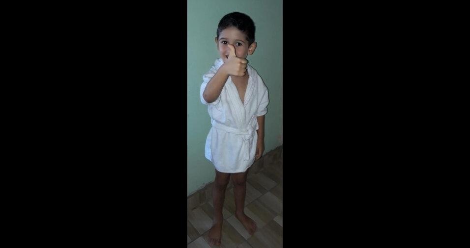 De Aratuba (CE), o Adriano Oliveira mandou foto do filho Pedro Lucas
