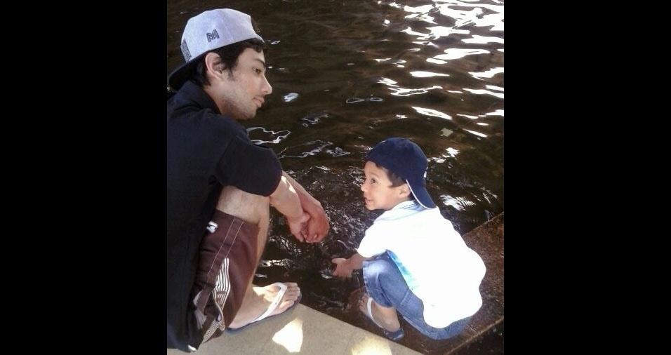 O papai Cristian com o filho Daniel, de Santana do Parnaíba (SP)