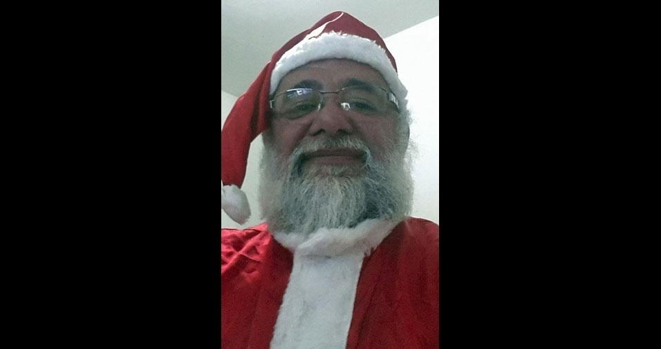 Este é o Papai Noel Ronaldo Quintela, 60 anos, de Congonhas (MG)