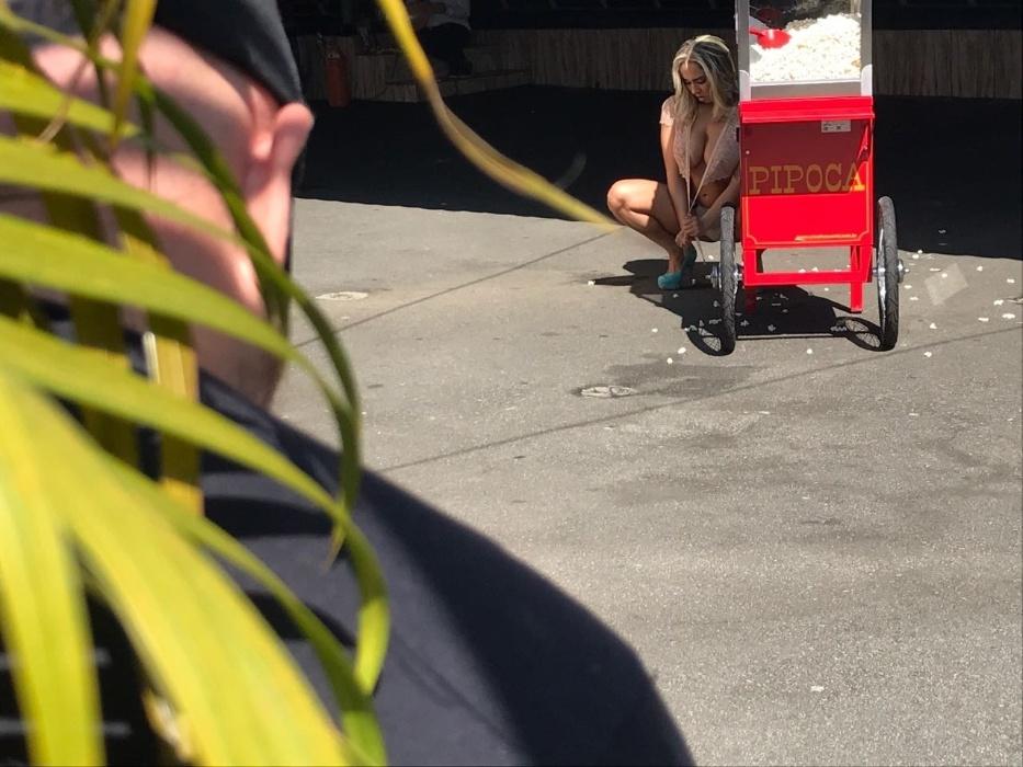 """9.mai.2017 - Apesar do cenário lúdico, a Mulher Melão prometeu apimentar as páginas da """"Sexy"""": """"Claro que teremos uma inocência cheia de maldade nas páginas da revista"""", provocou a funkeira"""