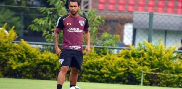 Wellington Nem não deve jogar mais pelo São Paulo neste ano