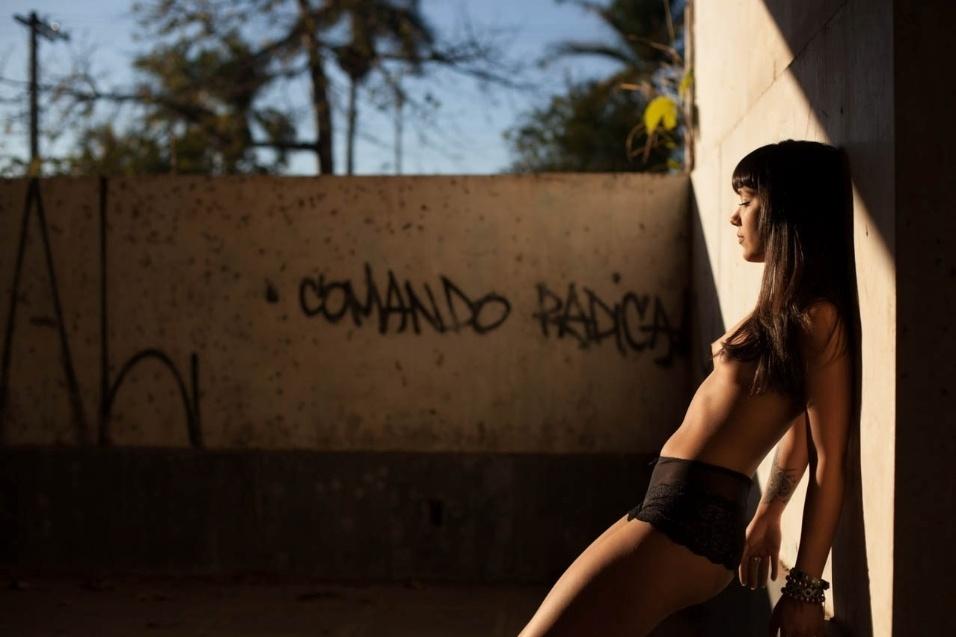 1°.out.2015 - Dia ensolarado marcou o ensaio de Paula Leão