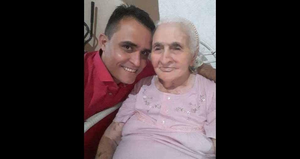 Fabrício Brito com sua avózinha Francisquinha, de 100 anos