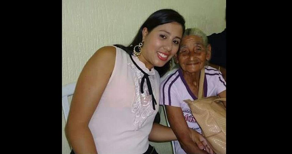 Tatiane Rodrigues de Moreira com a vovó Geralda Maria, de Guarulhos (SP)
